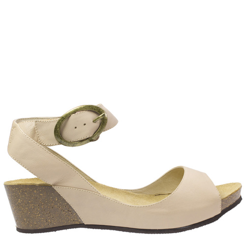 Race [Colour: Beige] [Size: 42]