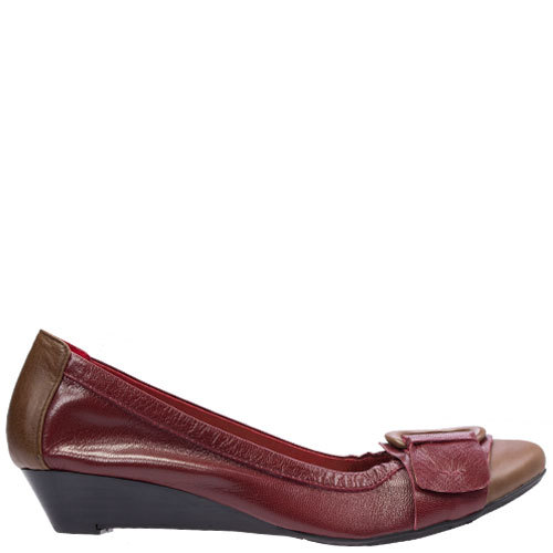 Lili [Colour: Cherry/Tan] [Size: 42]