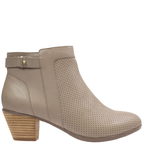 Genie [Colour: taupe] [Size: 42]